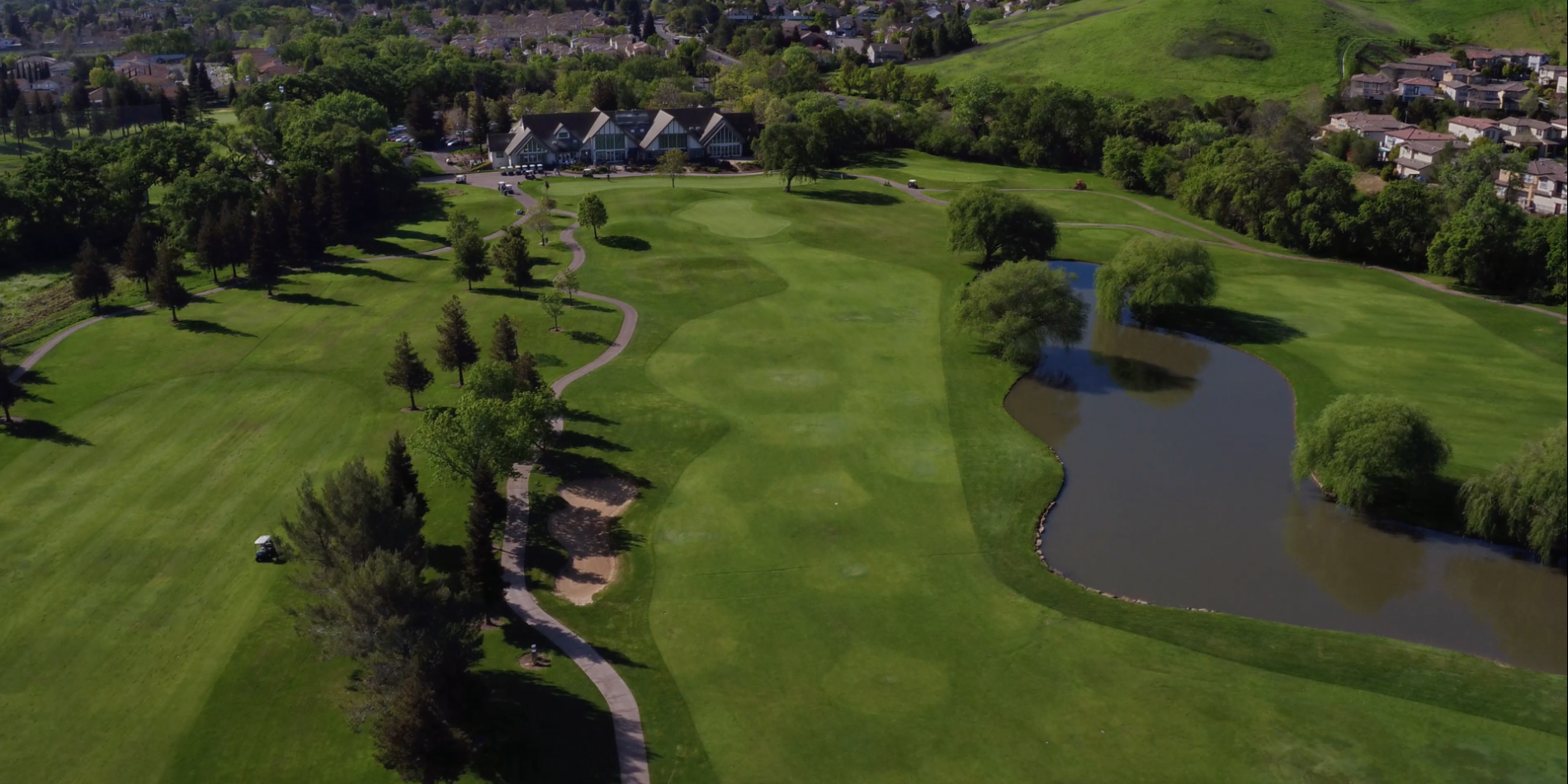 Two distinctive golf courses, one unforgettable experience